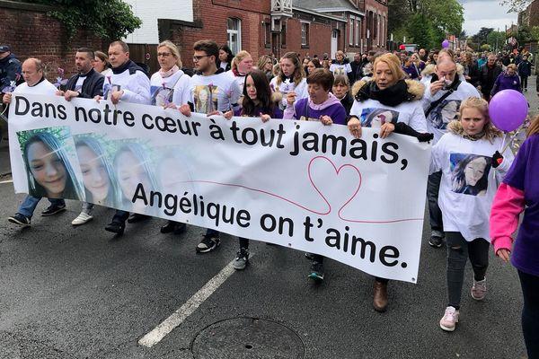 400 personnes ont participé ce 28 avril à la marche blanche en souvenir d'Angélique Six, adolescente tuée le 25 avril 2018 à Wambrechies (Nord).