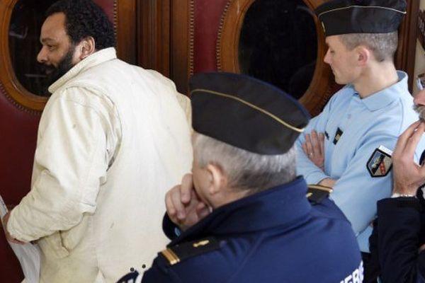 Archives. Dieudonné M'bala M'bala en mars 2015 au palais de justice de Paris.
