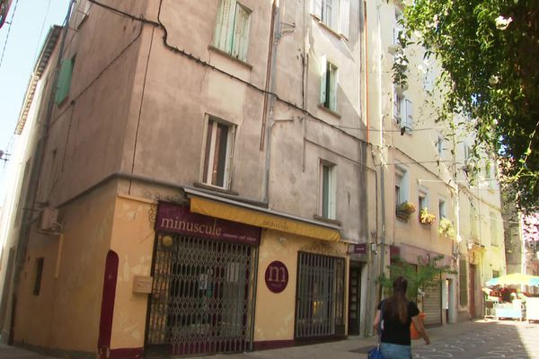 Lodève (Hérault) - un immeuble ancien du centre-ville où le plafond du restaurant s'est effondré fin août - 14 septembre 2020.