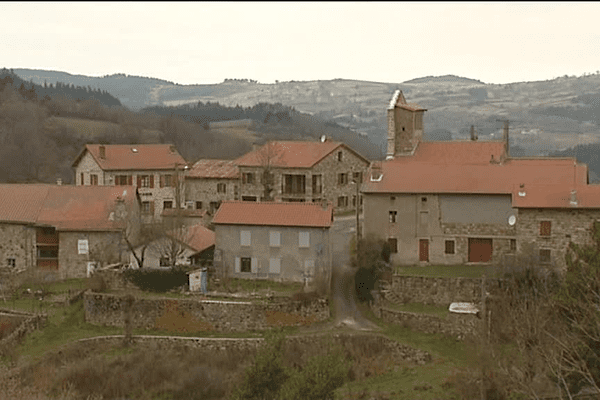 Le village de Lafarre en Haute-Loire