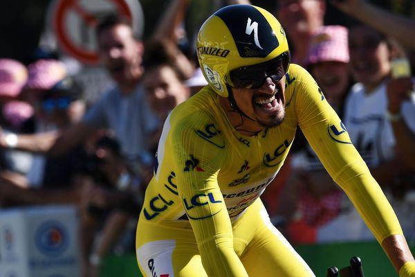 Vendredi 19 juillet, lors de la 13e étape du Tour de France, Julian Alaphilippe a été en tête à tous les intermédiaires alors que le contre-la-montre n'est pas sa spécialité.