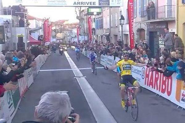 Jonathan Hivert sur la ligne d'arrivée de la seconde étape.