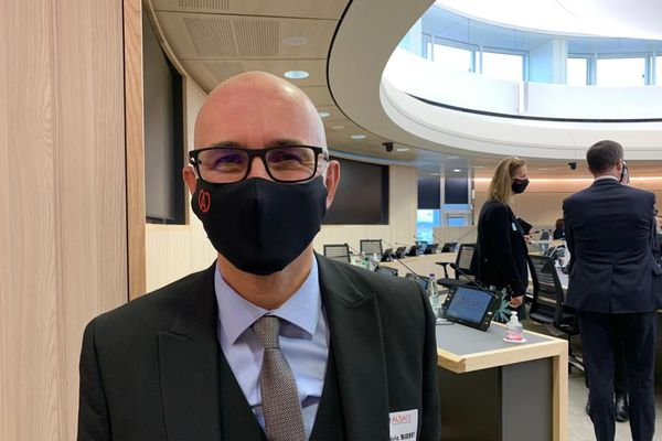 Frédéric Bierry est élu président de la Collectivité européenne d'Alsace dans la matinée du 2 janvier 2021.