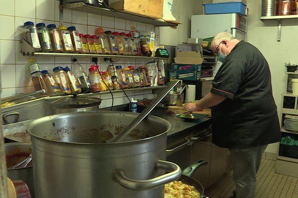 Pour Christian Hautecloche, patron du restaurant de l'Auberge à Saint-Martin-aux-bois, les clients ne viendront pas si les restaurants ferment à 21h