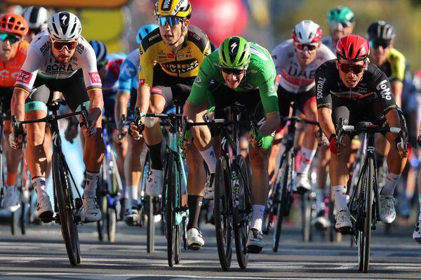 L'Australien Caleb Ewan franchit la ligne d'arrivée à l'issue de la 11ème étape du Tour de France 2020, le 9 septembre 2020.