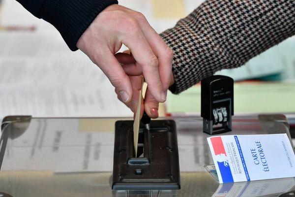 Les électeurs se sont rendus aux urnes ce dimanche 7 mai pour voter lors du second tour de l'élection présidentielle 2017.
