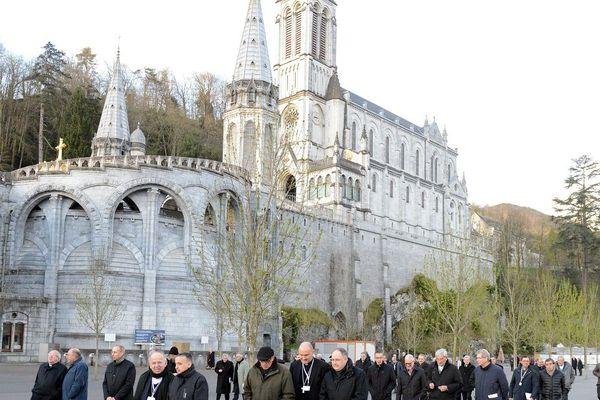 Victimes de pédophilie et évêques se sont retrouvés face à face pour la première fois.