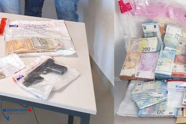 Une opération franco-italienne d'envergure, mobilisant 450 gendarmes et 120 carabiniers a abouti au démantèlement d'un trafic international de stupéfiants a déclaré jeudi 17 septembre la gendarmerie nationale.