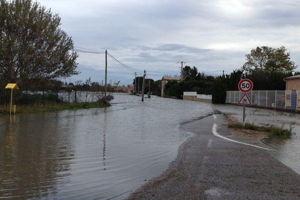 40 habitations sont encerclées par les eaux à Lamotte-du-Rhône.