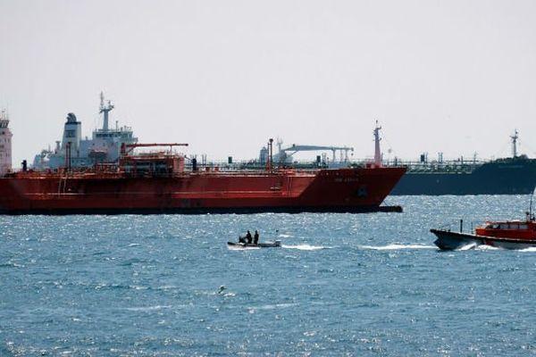 Navires bloqués à Fos