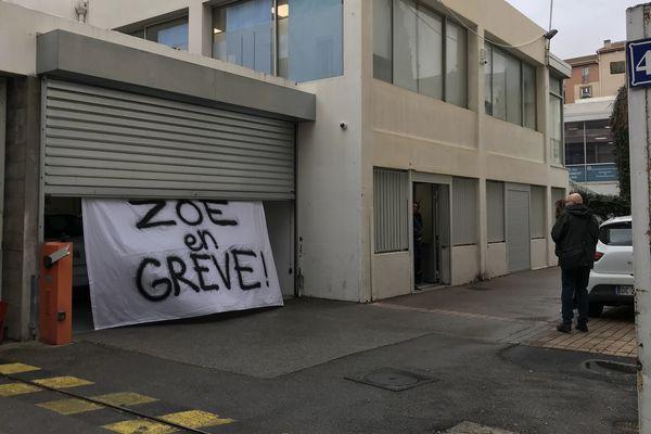Les salariés de la société SAGS, qui contrôlent le stationnement payant à bord de la sulfateuse à PV Zoé sont en grève depuis lundi. Il devrait y avoir moins de contraventions à Marseille.