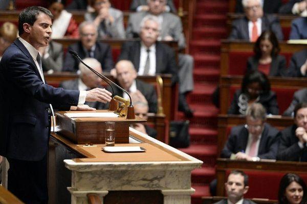 Manuel Valls présente son programme devant l' assemblée nationale