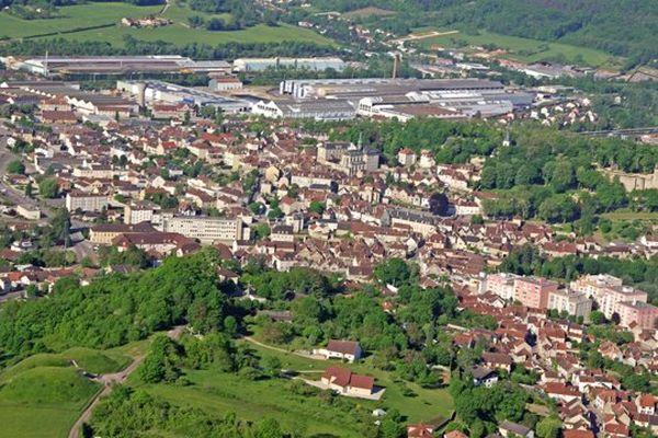 La commune de Montbard, en Côte d'Or, compte près de 6 000 habitants