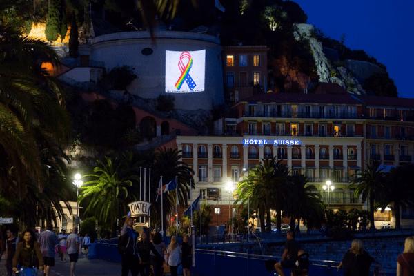 La ville de Nice rend hommage aux victimes.