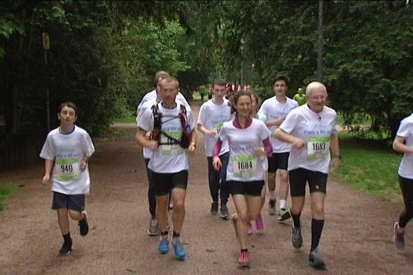 La famille Roth participe à l'épreuve du 5 km aux courses de Strasbourg