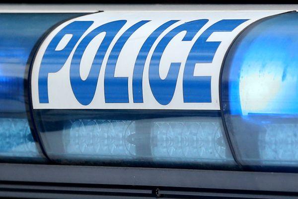Depuis ce lundi 1er mars 2021, sept policiers du commissariat de Blois auraient été testés positifs au Covid-19.