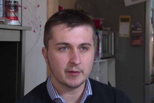 Matéo, 20 ans, brigue la commune de Limons, commune du Puy-de-Dôme d'un peu moins de 800 habitants.