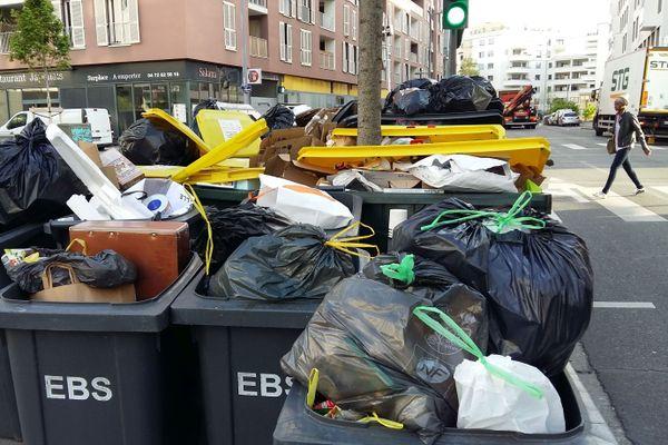 A Lyon les contribuables gagnent leur procès au Tribunal administratif pour rendre illégale la taxe d'ordures ménagères de 2016 à 2018.