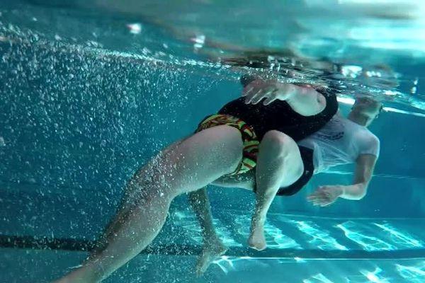 Formation de nageur-sauveteur à la piscine de Saint-Léonard-de-Noblat