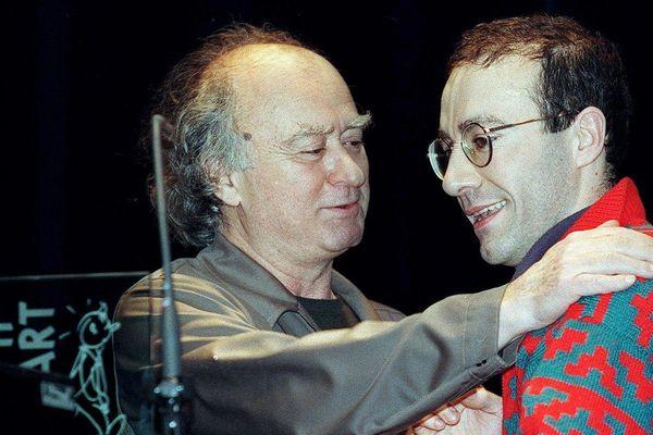 Festival de la BD d'Angoulême 2006 : Wolinsky félicite Robate, Alph-Art du Meilleur album.