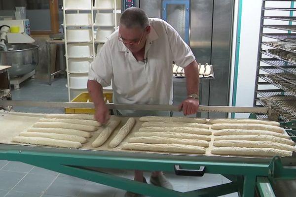 Lozère : boulangerie à vendre et à reprendre à Châteauneuf-de-Randon - septembre 2019.