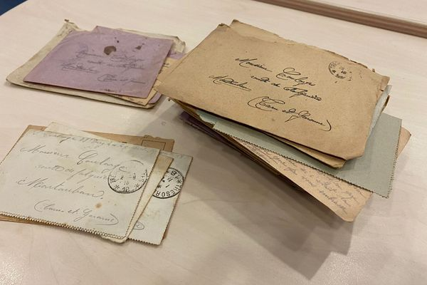 Une centaine de lettres de deux poilus originaires du Tarn-et-Garonne ont été trouvées dans un meuble acheté dans une brocante