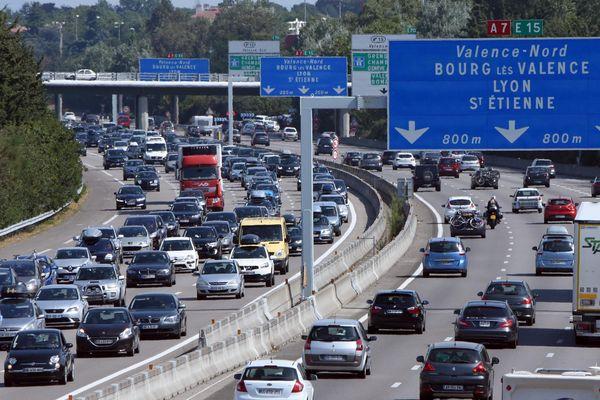 Un ralentissement sur l'A7 est déjà constaté samedi matin à cause d'un accident de la circulation.