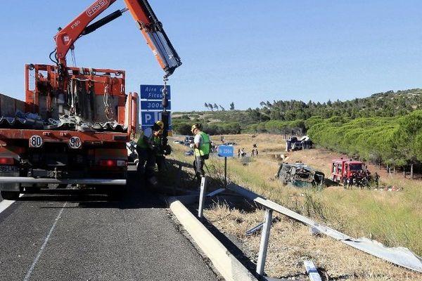 Fitou (Aude) - le car d'Eurolines renversé en contrebas de l'autoroute A.9 - 11 août 2013.
