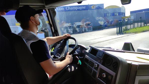 Les chauffeurs pendant l'épreuve de conduite
