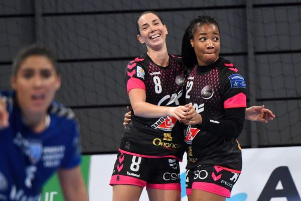 Monika Kobylinska et Pauletta Foppa du Brest Bretagne Handball à la salle de Brest Aréna le 12/10/2019 en ligue des champions Féminine face au SCM Ramnicu Valcea