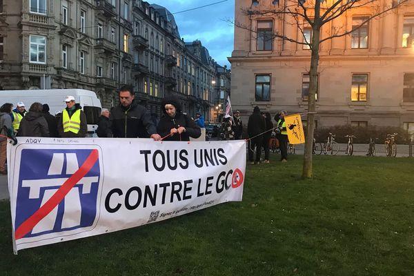 Ce mardi en fin d'après-midi, à Strasbourg, devant la préfecture.