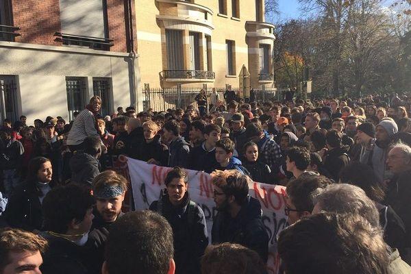Les lycéens et étudiants au grand-Rond, à Toulouse.
