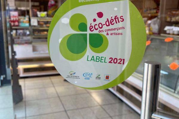 """Le macaron du label """"éco-défis"""""""