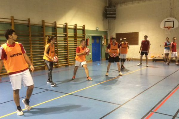 The dodgeball, an increasingly democratic sport in Orleans