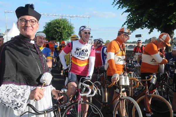 Mon curé chez les cyclistes, Anjou Vélo Vintage, édition 2016