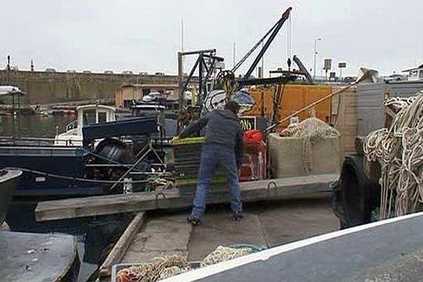 Sète (Hérault) - les bateaux de pêche au port - 27 janvier 2016.
