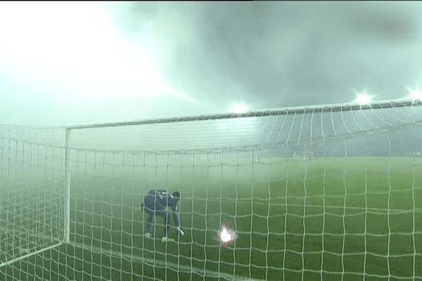 Le match avait du être interrompu dans les arrêts de jeu, faute de visisbilité.