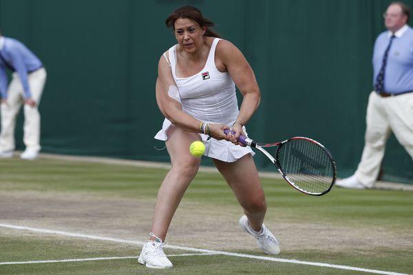 Marion Bartoli, qui avait mis un terme à sa carrière en août 2013, un mois après sa victoire à Wimbledon, a annoncé mardi 19 décembre son retour sur le circuit professionnel en mars, dans une vidéo publiée sur son compte Instagram.