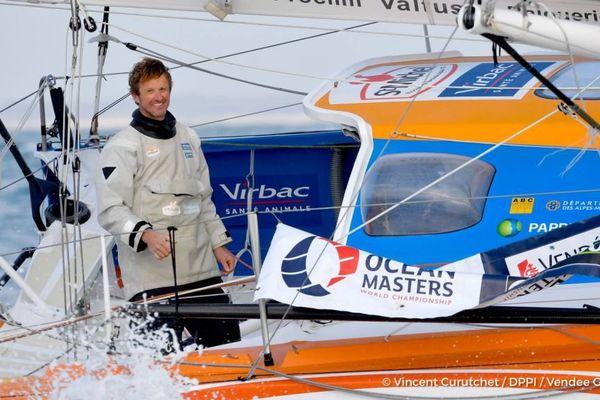 Vendée Globe 2016 : Jean-Pierre Dick (StMichel-Virbac) a bouclé son tour du monde en solitaire en 80 jours 1 heure 45 minutes 45 secondes.