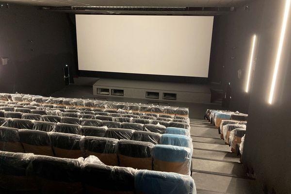 Une des cinq salles de l'Arvor, prête pour accueillir ses premiers spectateurs