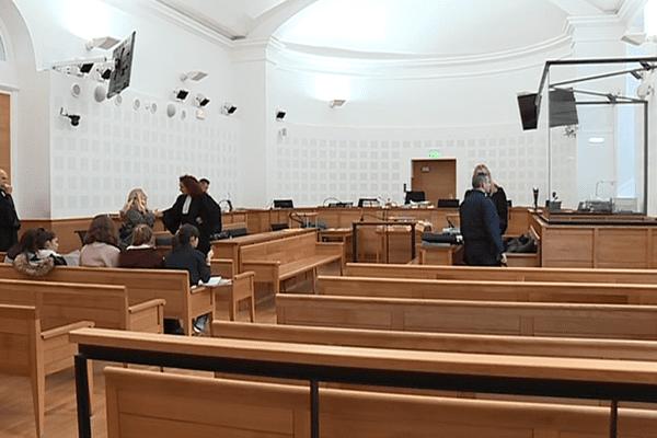 01/12/16 - La salle d'audience au procès de Corto Aluni, jugé pour parricide par les assises de Corse du Sud