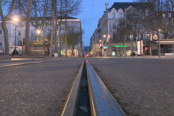 Le couvre-feu à Saint-Etienne (comme partout en France) : à partir de 19h