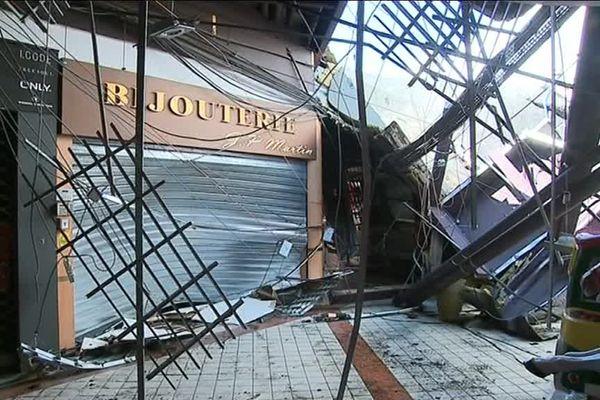 Les commerces n'ont pas pu ouvrir, les dégâts étaient trop importants. Résultat, 120 salariés sont au chômage technique.