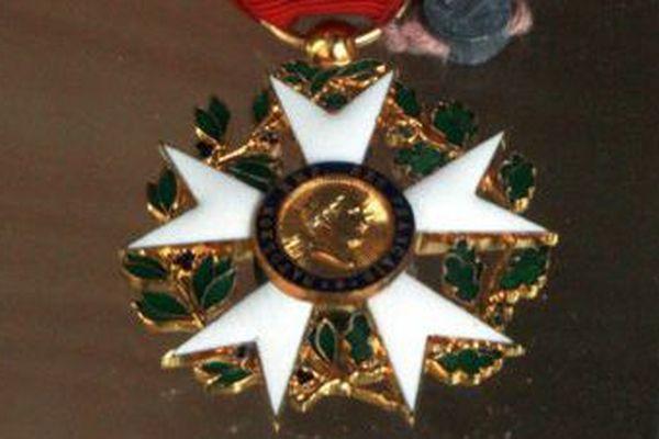 La légion d'honneur lui sera remise le 1er janvier.