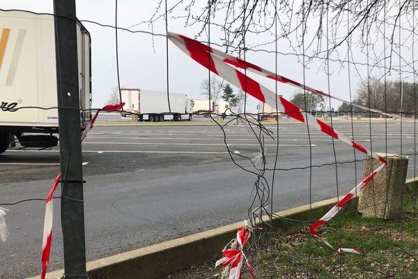 Les trafiquants opéraient sur les aires de repos de l'autoroute A10 notamment entre Poitiers et Tours en faisaient passer clandestinement les migrants.