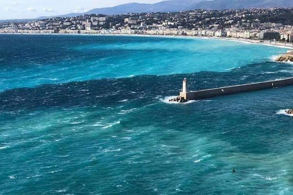 Les Alpes-Maritimes restent en vigilance orange. De fortes rafales enregistrées notamment sur Nice ce 10 février.