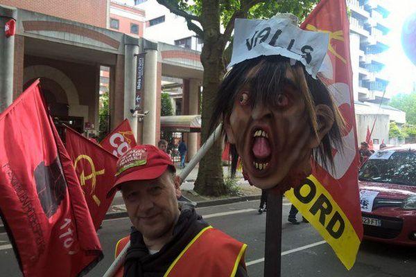 Un millier de manifestants à Lille, 300 à Valenciennes pour le retrait de la loi El Khomri