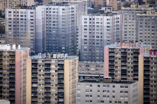 Le département compte 11% de logement sociaux, pour une moyenne nationale de 17%.