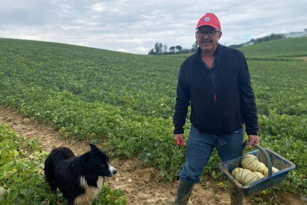Jean-Louis Andrieu, producteur de melons du Quercy (IGP) à Montalzat, dans le Tarn-et-Garonne, a vu sa production baisser en ce début de saison à cause d'une météo trop froide. juillet 2021.