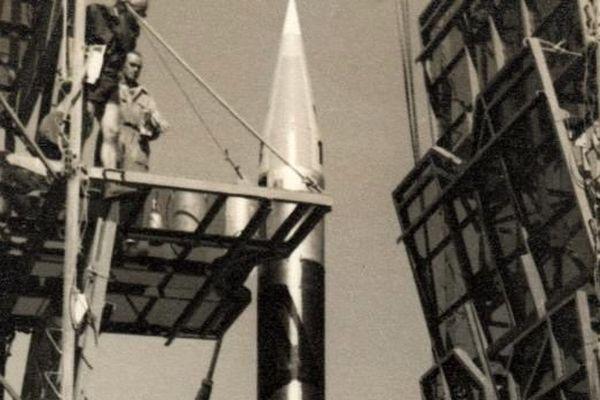 La fusée Véronique AGI147 qui a propulsé Félicette à 157 km au-dessus de la terre